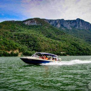 Teambuilding Clisura Dunarii - plimbare cu barca